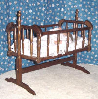 Lee Middleton Doll, baby doll cradle
